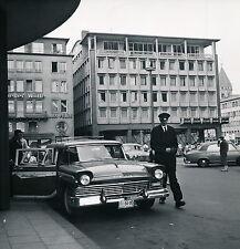 KÖLN c. 1958 - Ford Country Squire devant Hôtel Allemagne  - DIV 6033