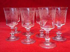7 anciens verres à pied en verre gravé  belle qualité  ht 12,7 cm   lot 7