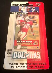 1994 Magnetic Football Cards 5-pack with Team Magnet - by Pro Mags - New In Pack