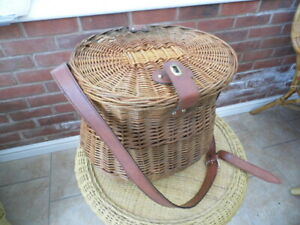 Vintage Wicker Picnic Hamper with Cutlery for 2 people