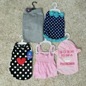 Girl Dog Clothes Outfits  Lot Of 5 Never worn NWT SIZE MEDIUM  M