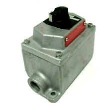 NEW COOPER CROUSE HINDS EDSC21274 SELECTOR SWITCH