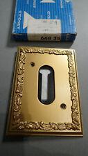 ARNOULD Le Silencieux 66835 - Plaque Métal OR Louis XV pour Prise Téléphonique