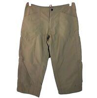 Mountain Hardwear Womens 6 Lt Brown Nylon Zipper and Snap Capri Hiking Pants