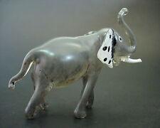 Elefante De Cristal, Cuerpo Pintado Gris y Blanco Colmillos Figura de animal africano vidrio De Regalo