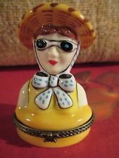 LADY WITH SUN HAT AND GLASSES TRINKET BOX ~ EB528