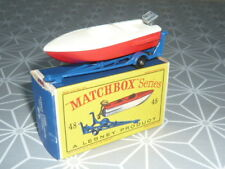 TRAILER WITH REMOVABLE SPORTS BOAT  MATCHBOX EN BOITE