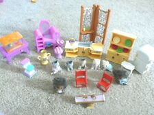 Lot of Calico Critters Country Tree kitchen furniture, 5 kittens & 2 Hedgehogs