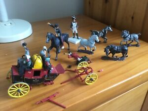 Half built military soldiers, horses and wagon/carriage plus pieces, vintage