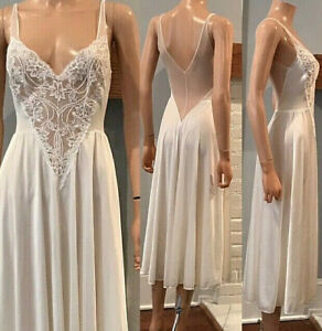 OLGA SILKY NYLON & SPANDEX LOTS OF LACE VINTAGE LINGERIE NIGHTGOWN DRESS SM