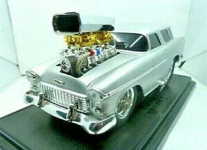 Muscle Machines '55 Chevy Nomad Diecast Hot Rod Car 1:18 Scale Pre-Owned Nice!