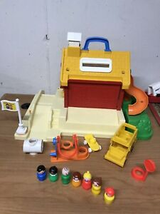 Vintage Fisher-Price School House 1988