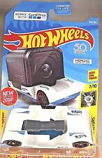 2018 Hot Wheels #341 Experimotors 7/10 Go Pro ZOOM IN White w/Black Pr5 Spoke