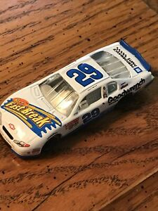 Kevin Harvick #29 Action Diecast 2001 Reese's Fast Break White Chevrolet 1:64