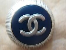 CHANEL  SILVER METAL CC LOGO FRONT BLUE  RESIN  BUTTON  22 MM NEW