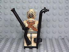 LEGO Star Wars Rare Tusken Raider 7113 with gun and gaffi stick from set 7113