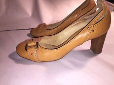 pre-owned authentic CHLOE size 38 lt tan leather PUMP w/stack wood heel SIZE 38
