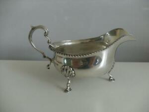 Beautiful Sterling Silver SAUCE GRAVY BOAT Birmingham 1925 Walker & Hall 174.2g