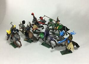 William Britain Super Deetail Plastic Mounted Knights 17851 New Boxed