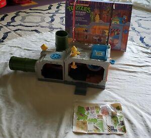 TMNT Teenage Mutant Ninja Turtles 1989 Playmates Sewer Lair Complete! Box!