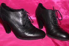JANET D black  leather ladies  shoes heels size 5