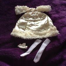 Vestido de boda de muñeca. para pequeños Muñeca, 8 INS hombro a dobladillar. Nueva.