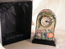 """Un Hermoso Reloj por """"Old Tupton Ware"""" un reloj de audaz e imponente!!!"""