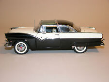 1955 FORD CROWN VICTORIA SEDAN BLACK/WHITE WITH BOX DANBURY MINT 1:24 DIECAST