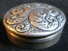 RARE GORHAM STERLING SILVER REPOUSSE SNUFF BOX Round box 1863-1890 STUNNING
