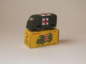 DINKY TOYS ambulance militaire RENAULT CARRIER 80F avec sa boite d'origine