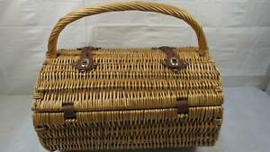 PICNIC TIME Barrel Wicker Picnic Basket w Service for Two