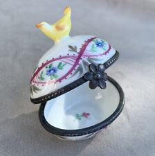 Petite boite ancienne Oeuf en Porcelaine XIX