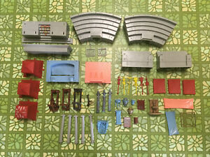 Large Lot Marx Ben Hur Vintage Playset Plastic Accesories