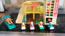VINTAGE FISHER PRICE GARAGE COMPLETE AND IN VGC