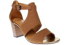 Sandalias y chanclas de mujer marrón