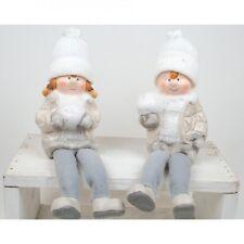 2 Winterkinder mit Schneeball, weiße Strickmütze, Kantensitzer, neu