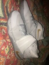Womens shoes size 7 youth Kyrie 2 (Gs)
