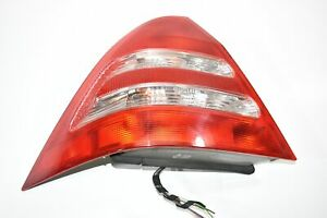 01 02 03 04 Mercedes-Benz C320 Tail Light Lamp Assembly Right Passenger Side