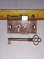 Old German Antique Slot Machine Trade Stimulator Lock w/ Skeleton Key