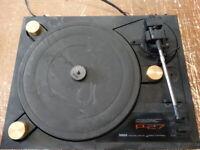 Yamaha P-27 Natural Sound Stereo Turntable