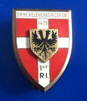#3558# Joli Insigne régimentaire du 1er régiment d'infanterie / Drago : Paris