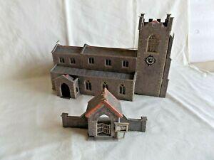 METCALFE CHURCH WITH LYTCH GATE  OO GAUGE