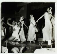 PARIS La Nouvelle Ève Danse Antique ca 1950, Photo Stereo Cellulose L15n5