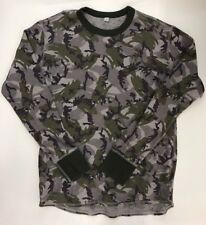 Uniqlo Camoflauge Thermal Style Base Layer L/S Shirt Men's Size Shirt XL Camo