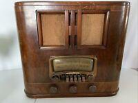 Vintage Montgomery Ward Airline Radio Model 04BR-729A  Read Description*