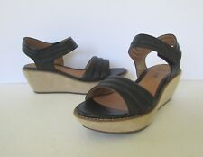 Clarks Womens Soft Cushion Black Leather Strap Wedge Sandals Shoes 7.5 M