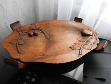 ANCIEN PLATEAU EN BOIS SCULPTE signé PLAT CENTRE DE TABLE CARVED WOODEN TRAY