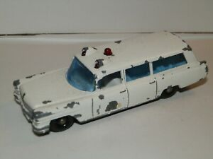 Matchbox 54b Cadillac Ambulance