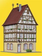 Kibri 38903 - H0 KIT DE MONTAGE - Maison à ossature bois au Marché en Miltenberg