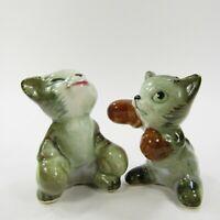 Vintage Cat Kitten Salt Pepper Shakers Boxing Gloves Fighters Ceramic  INV422